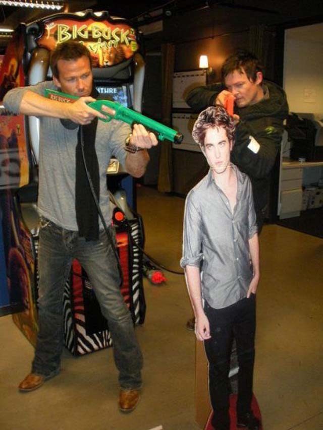 funny-pictures-boondock-saints-edward-cullen - Dump A Day