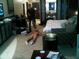 Hilarious-Drunk-People-Urban-Savior-16