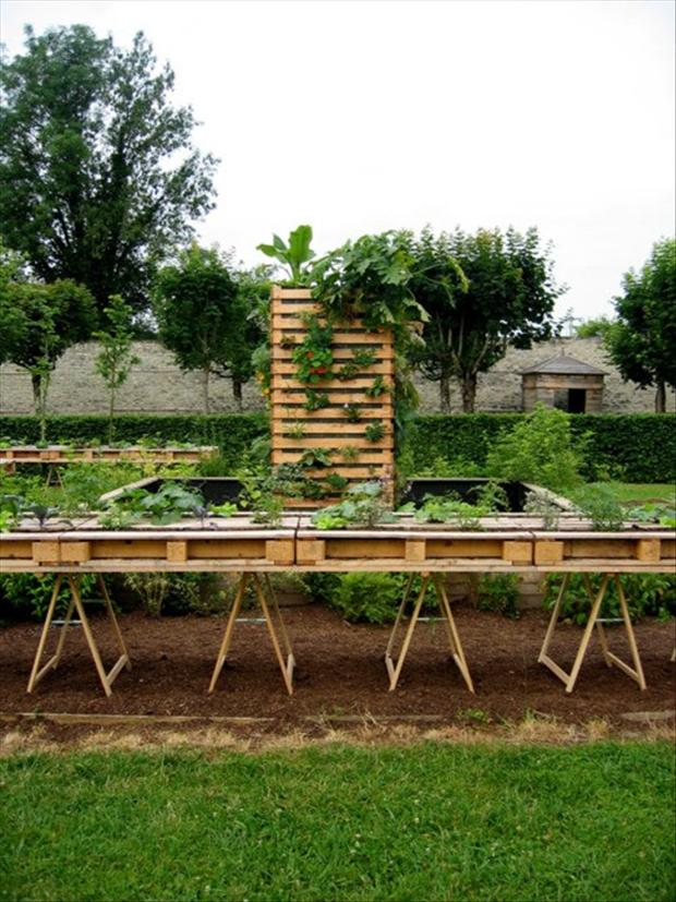 how to make a veggie garden bed out of pallets