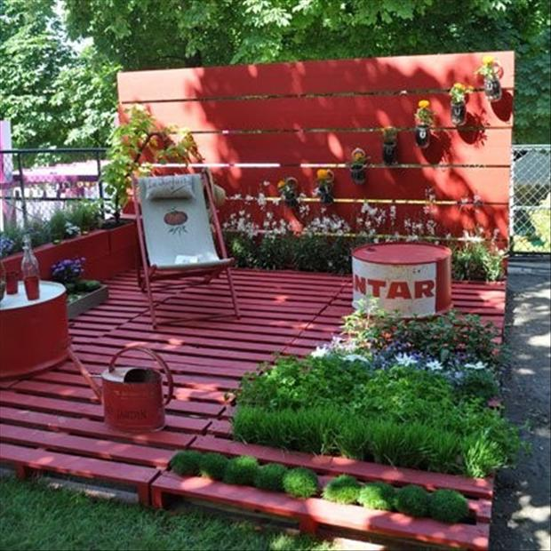 35 amazing uses for old pallets for Uses for used pallets