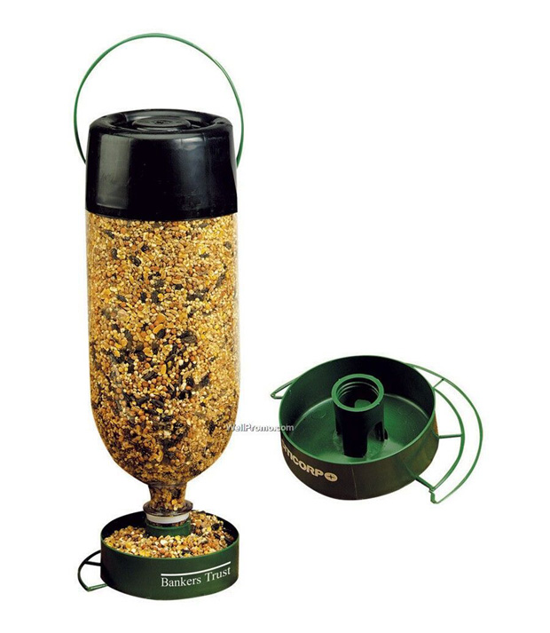 Amazingly fun uses for plastic bottles 25 pics for How to make a bird feeder using a plastic bottle
