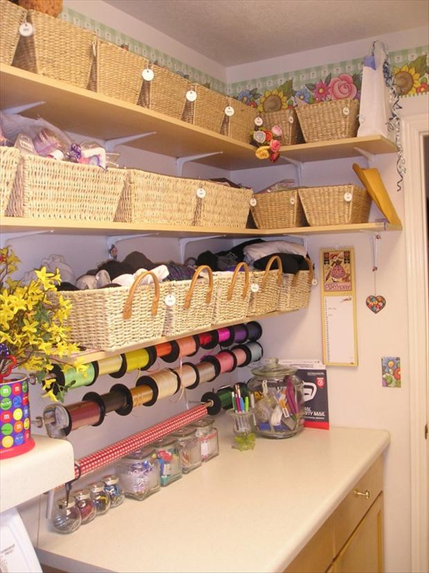 Organize your craft room 24 dump a day - Organiser un bureau ...