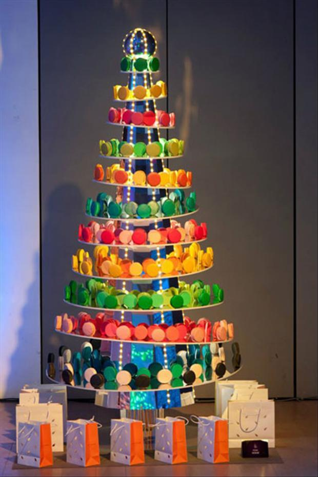 Unusual Christmas Trees- Designer Tree - Dump A Day