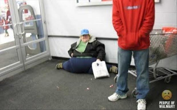 Image of: Meanwhile People Of Wal Mart Wtf Lady Dumpaday People Of Walmart 25 Scary Pics