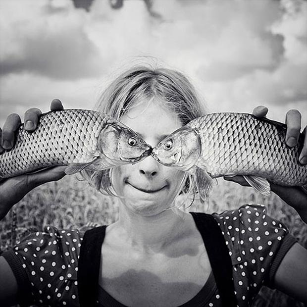 fish kisses, optical illusion