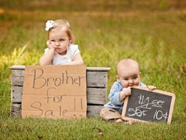 funny kids selling pictures