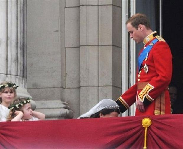 royal wedding, perfectly timed photos