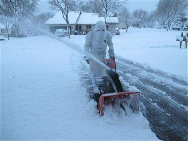 storm trooper, snow blowing, funny pictures