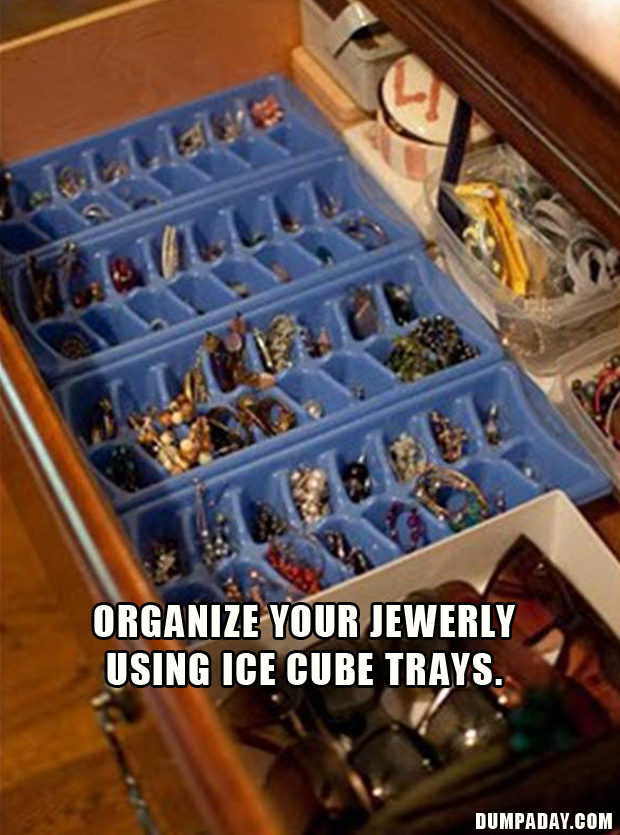 use ice cube trays to organize your jewerly