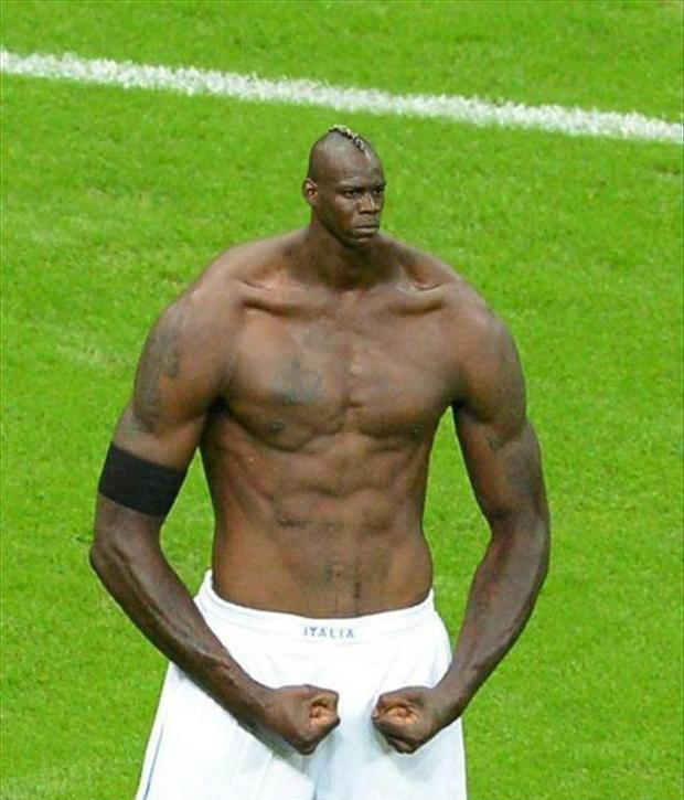 Mario Balotelli meme, photoshop (3)