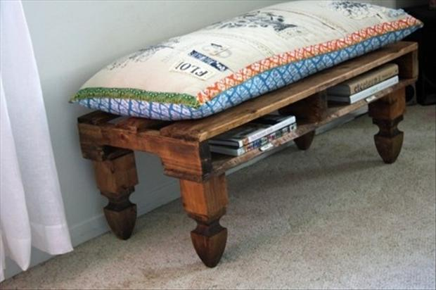 bench from old pallets