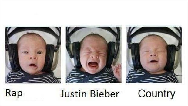 funny pictures, baby listens to music