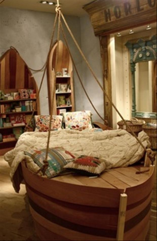 Awesome kids bedrooms boat themed dump a day for Cool kids rooms decorating ideas