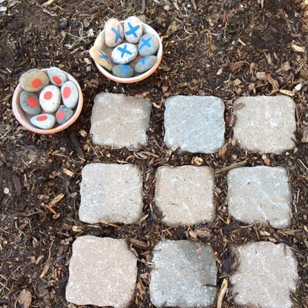a how to make garden tic tac toe game