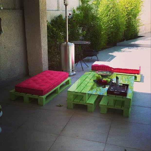 a pick nic table made from used pallets