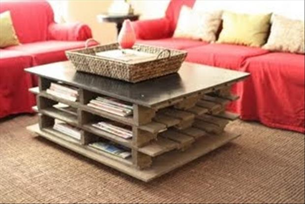 living room coffee table made from used pallets
