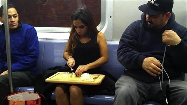 meanwhile on public transportation, dumpaday (24)