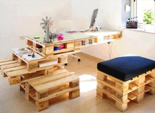 office desk from used pallets