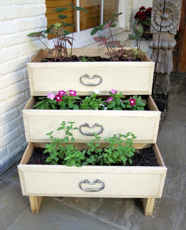 use old dresser drawers for your garden