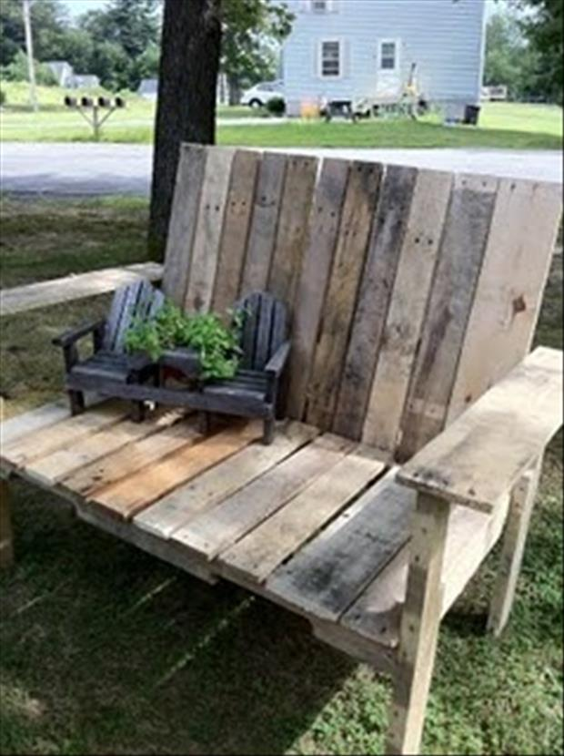 use old pallets for making benches