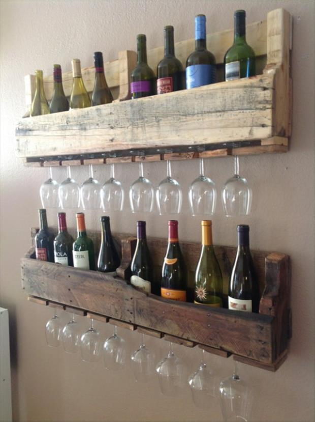 a-pallet-ideas-with-wine-bottles-and-glasses