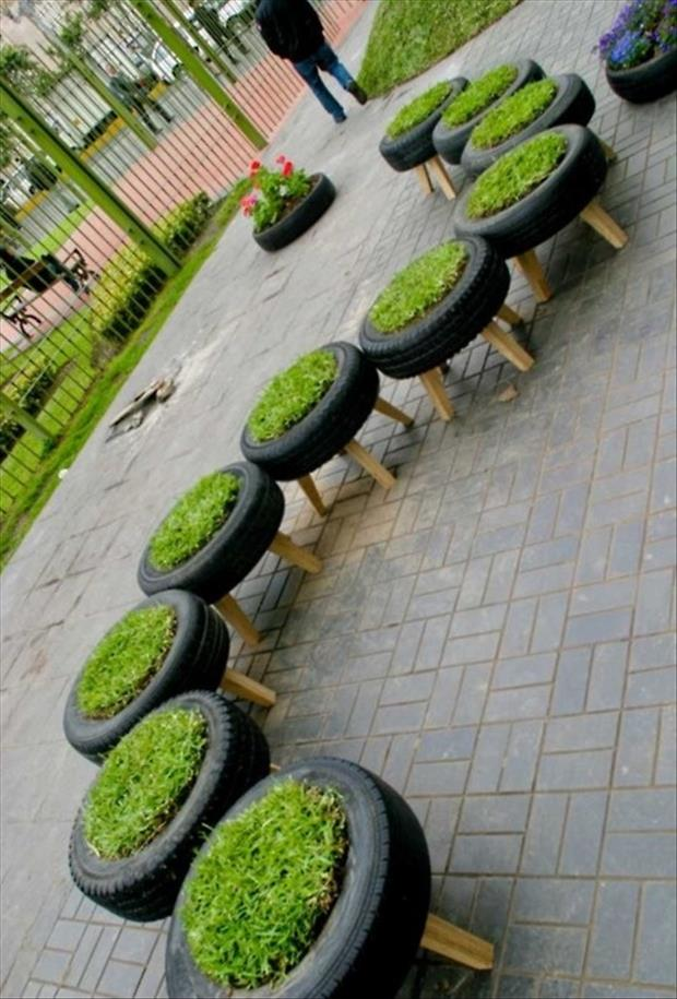 grass chairs garden ideas