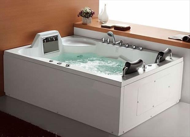 a the amazing bathtubs 14 Dump A Day