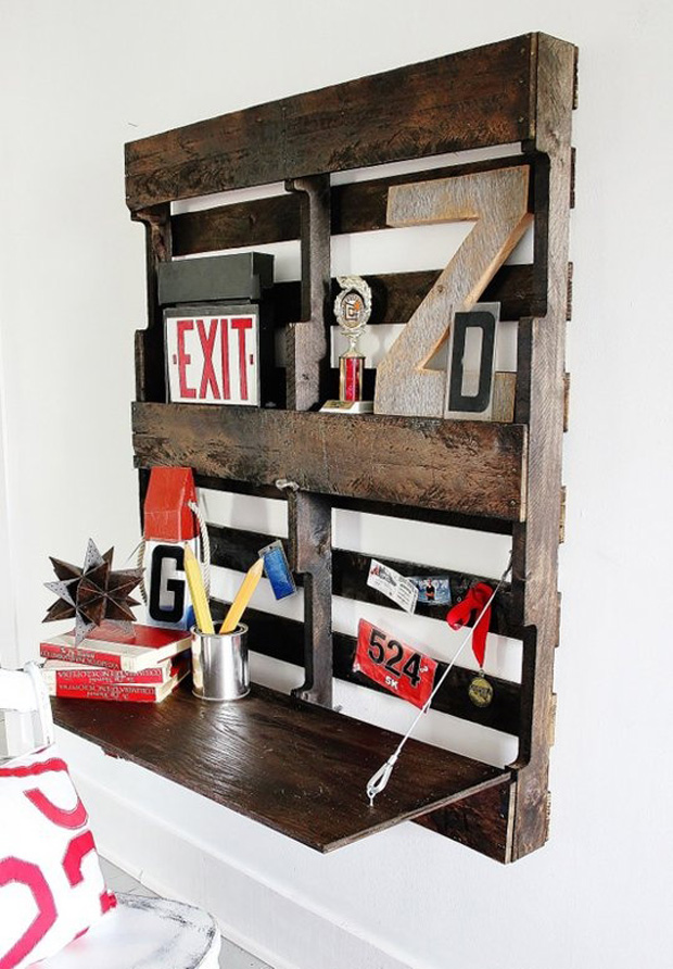 uses for old pallets desk