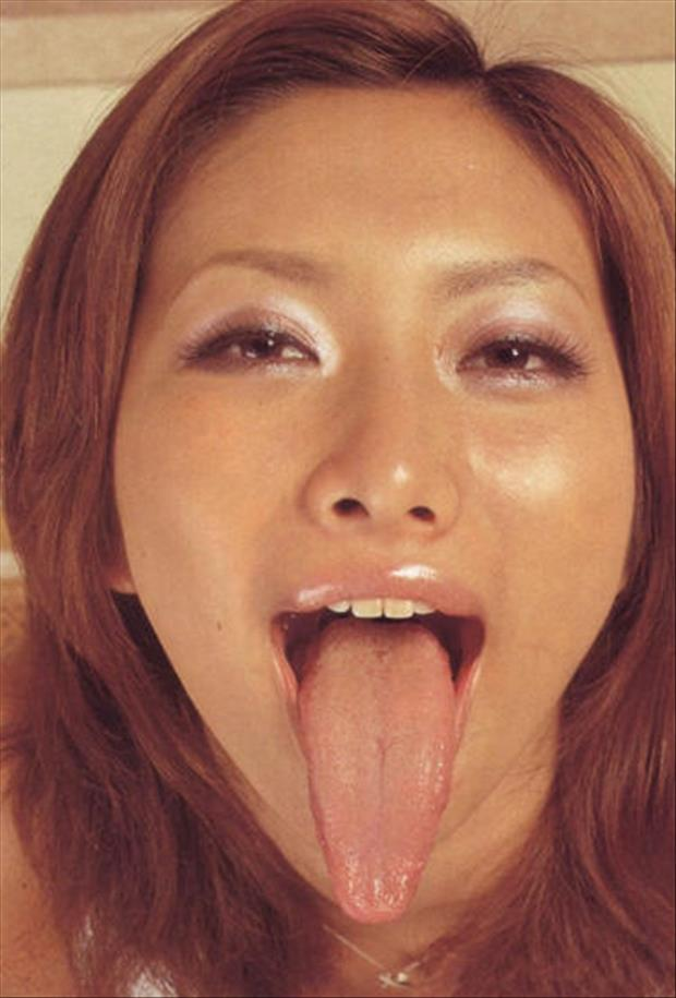 girls with long tongues (10)