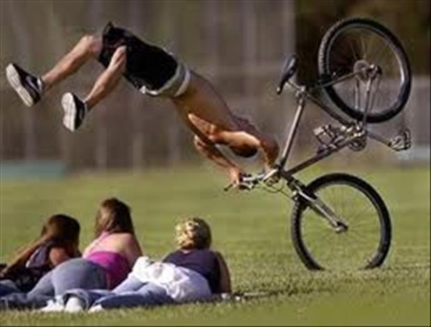 funny bike accidents, dumpaday (12)