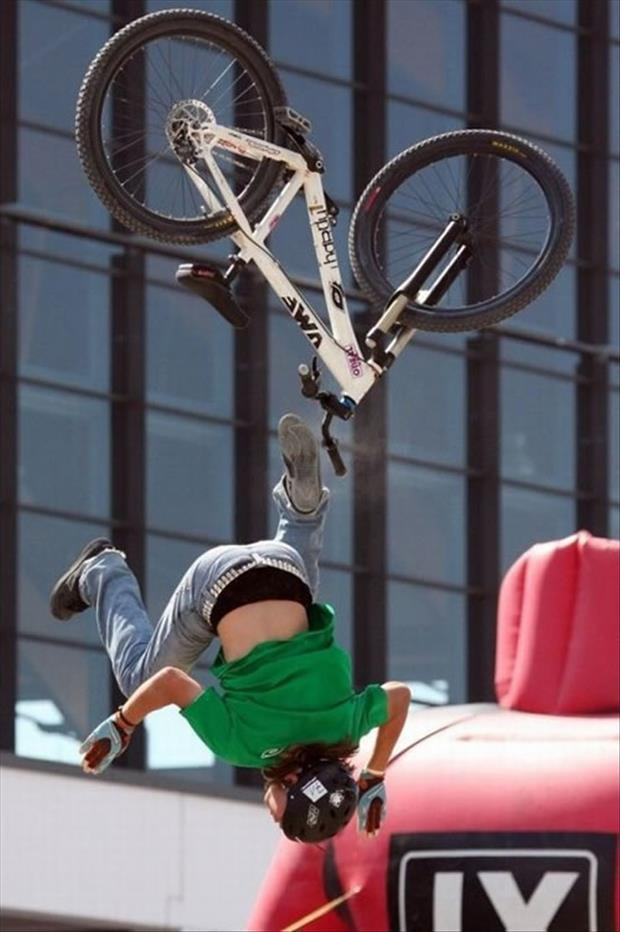 funny bike accidents, dumpaday (13)
