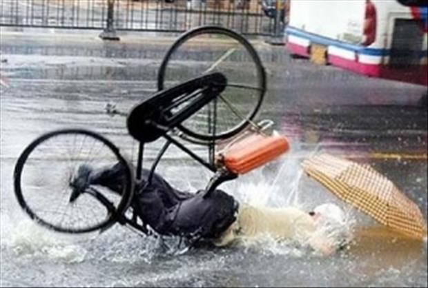 funny bike accidents, dumpaday (19)