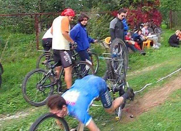 funny bike accidents, dumpaday (2)