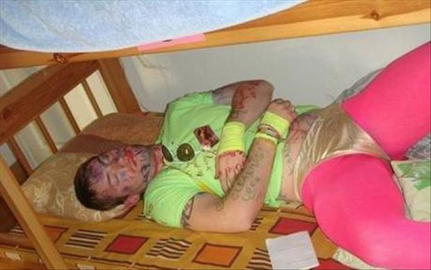 funny college party pictures, dumpaday (1)