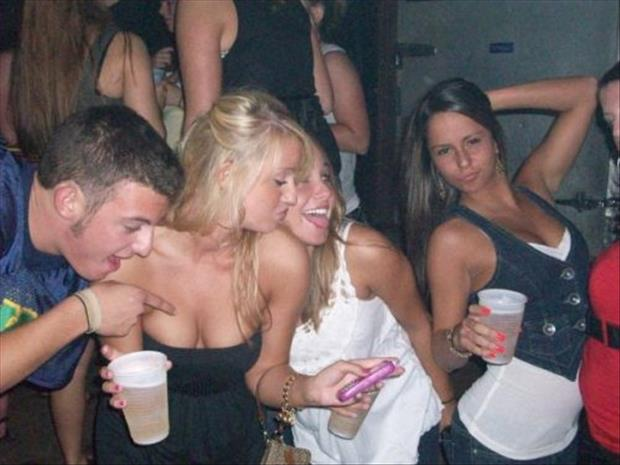 funny college party pictures, dumpaday (19)
