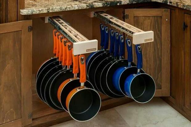 a pull out pots and pans