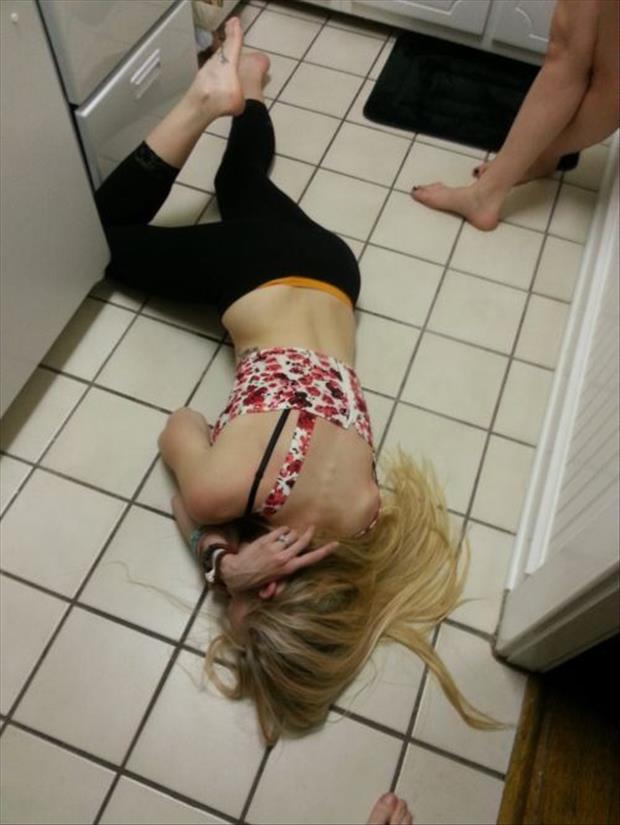 funny white girl wasted, dumpaday images (12)
