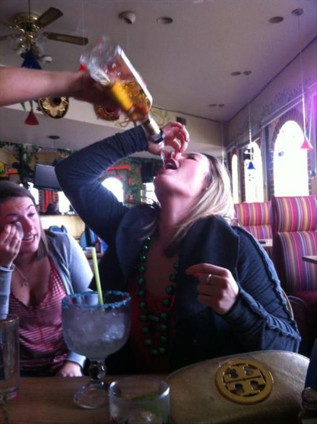 funny white girl wasted, dumpaday images (15)