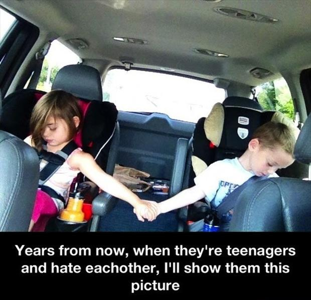 kids love each other