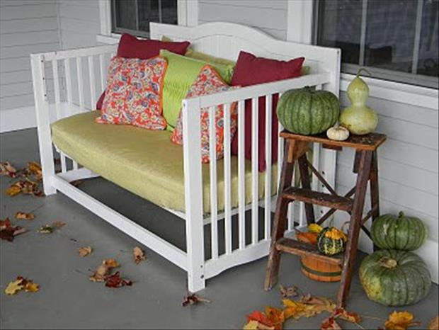 uses for old cribs (18)