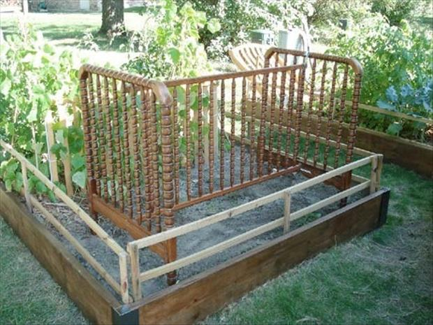 uses for old cribs (21)