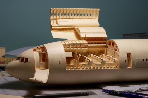 boeing airplane made to scale using just paper (40)