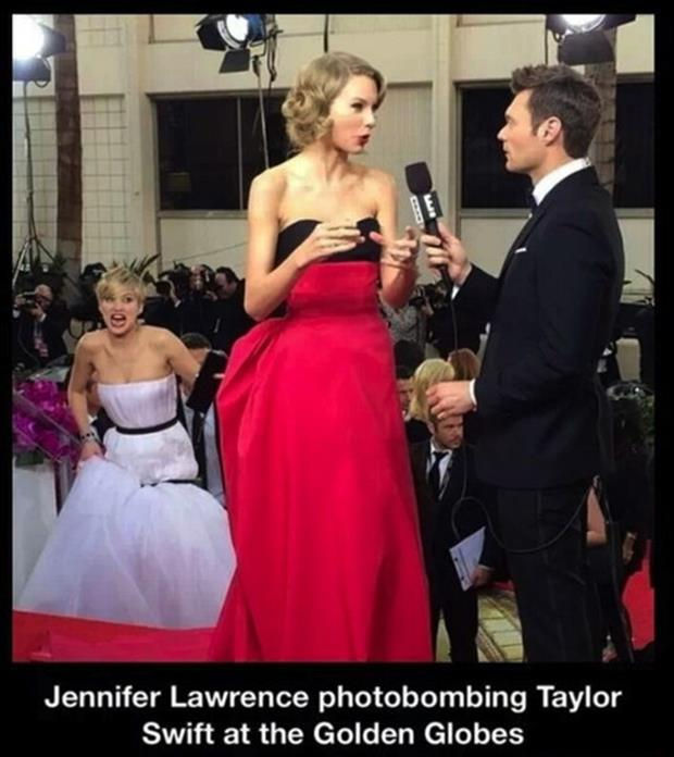 jennifer lawrence photobombing