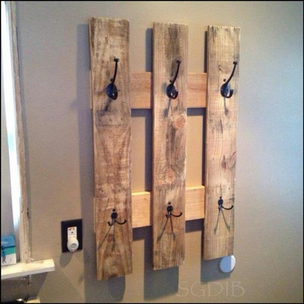 reuse old pallets 7 dump a day. Black Bedroom Furniture Sets. Home Design Ideas