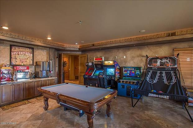 man caves (12)