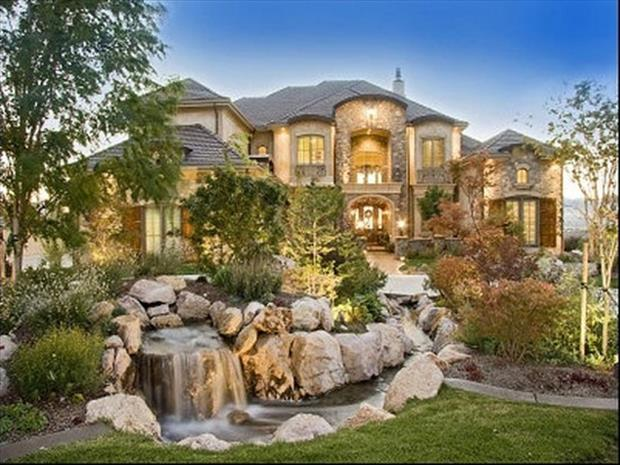 Amazing homes 30 dump a day for Amazing house pictures