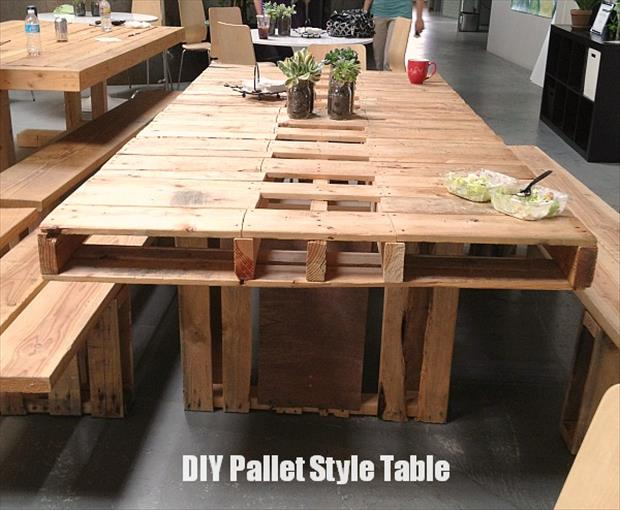 amazing uses for old pallets 20 pics. Black Bedroom Furniture Sets. Home Design Ideas