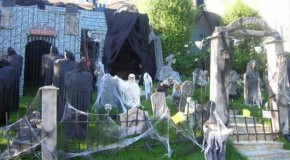 Halloween Decorations Done Right! – 26 Pics
