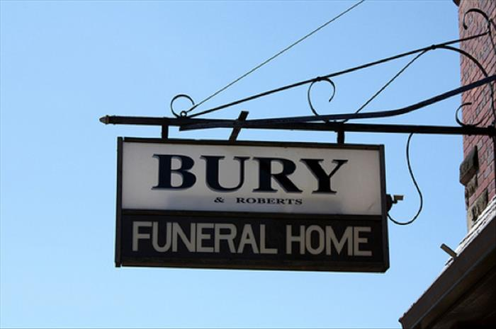 funny funeral home names (2)