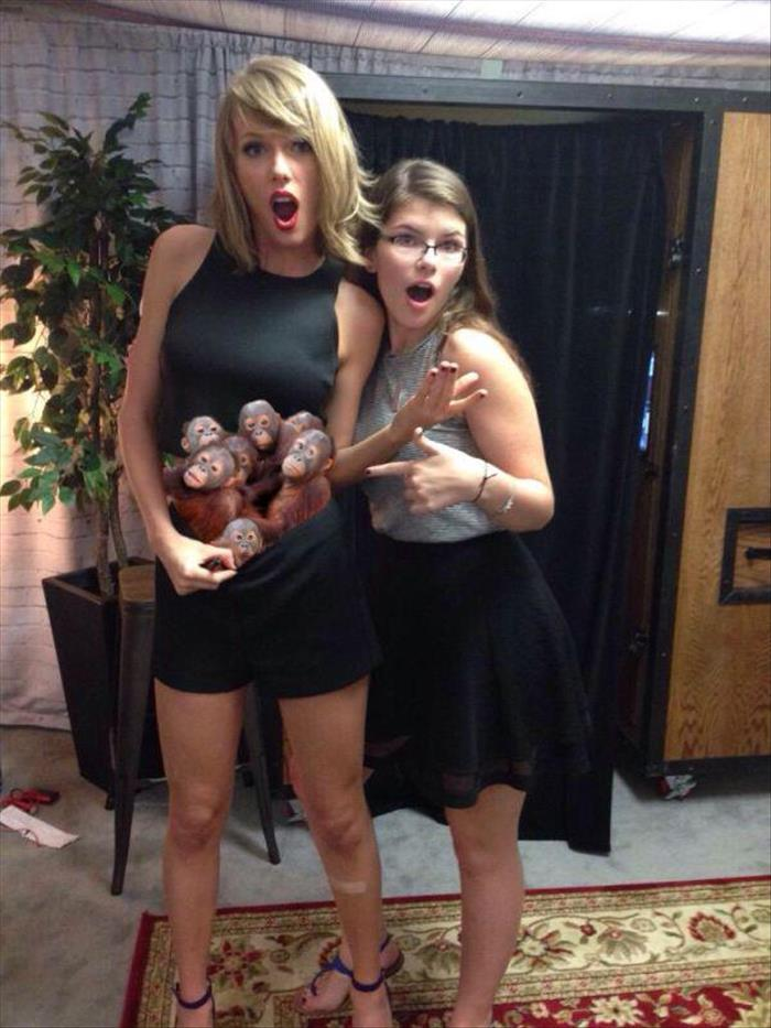 Taylor swift exposes her belly button and the internet responds 20